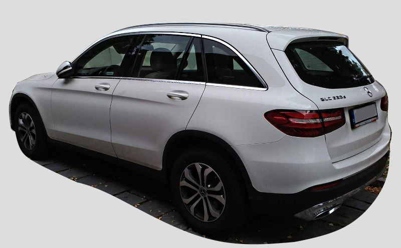 mercedes-benz-glc-220-d-side-back-view.jpg
