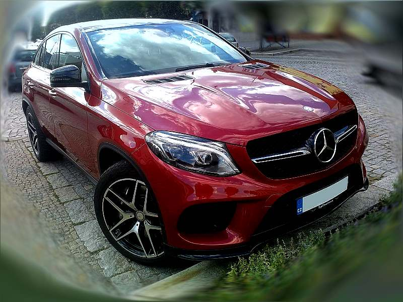 mercedes-benz-gle-2016-front-view.jpg