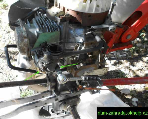 honda-gxv-demontaz-nadrze-a-karburatoru-5.jpg